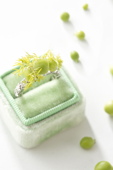 Sugar Snap Pea Wedding Ring (Libbie Summers and Chia Chong for Salted and Styled)